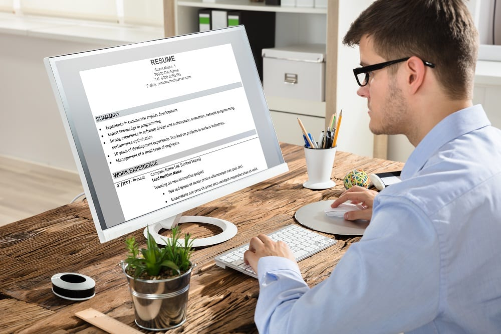 The Benefits of Choosing a Professional Resume Writer